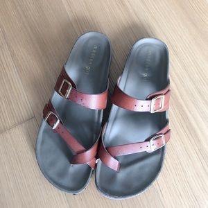 Madden Girl Bryceee Sandals 8M. Brown